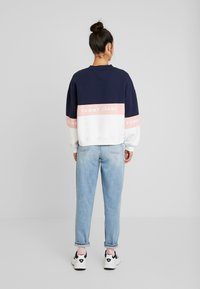 Tommy Jeans - COLORBLOCK CREW - Sweatshirt - classic white/multi - 2