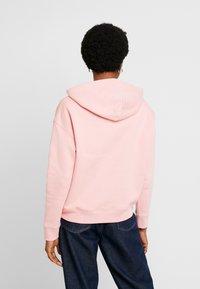 Tommy Jeans - BADGE HOODIE - Hoodie - pink icing - 2