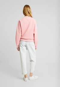 Tommy Jeans - VERTICAL LOGO - Bluza - pink icing - 2