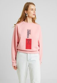 Tommy Jeans - VERTICAL LOGO - Bluza - pink icing - 0