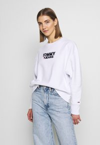 Tommy Jeans - CORP HEART - Sweatshirt - classic white - 0
