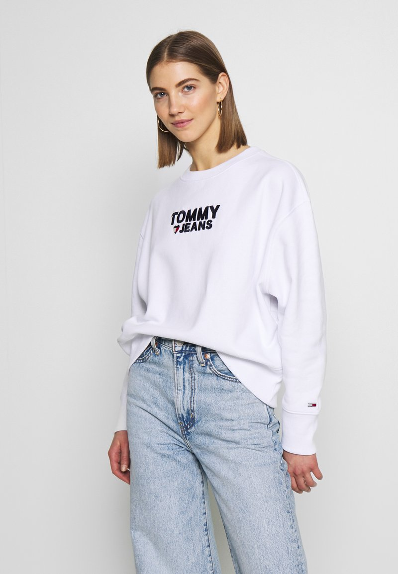 Tommy Jeans - CORP HEART - Sweatshirt - classic white