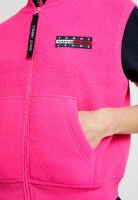 Tommy Jeans - POLAR GILET - Smanicato - pink - 5