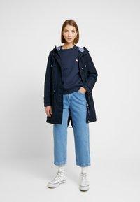 Tommy Jeans - BADGE  - Sweatshirt - black iris - 1
