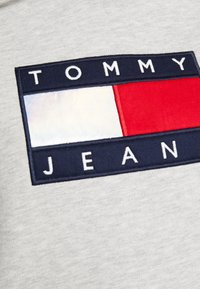Tommy Jeans - METALLIC HOODIE - Hoodie - light grey heather - 5