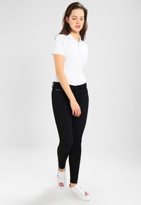 Tommy Jeans - Jeans Skinny Fit - black denim - 1