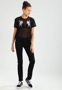Tommy Jeans - SANDY  - Straight leg jeans - dana black - 1