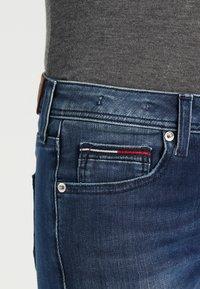 Tommy Jeans - MID RISE STRAIGHT SANDY - Džíny Straight Fit - niceville - 3