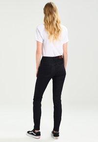 Tommy Jeans - HIGH RISE SANTANA - Jeans Skinny Fit - black denim - 2