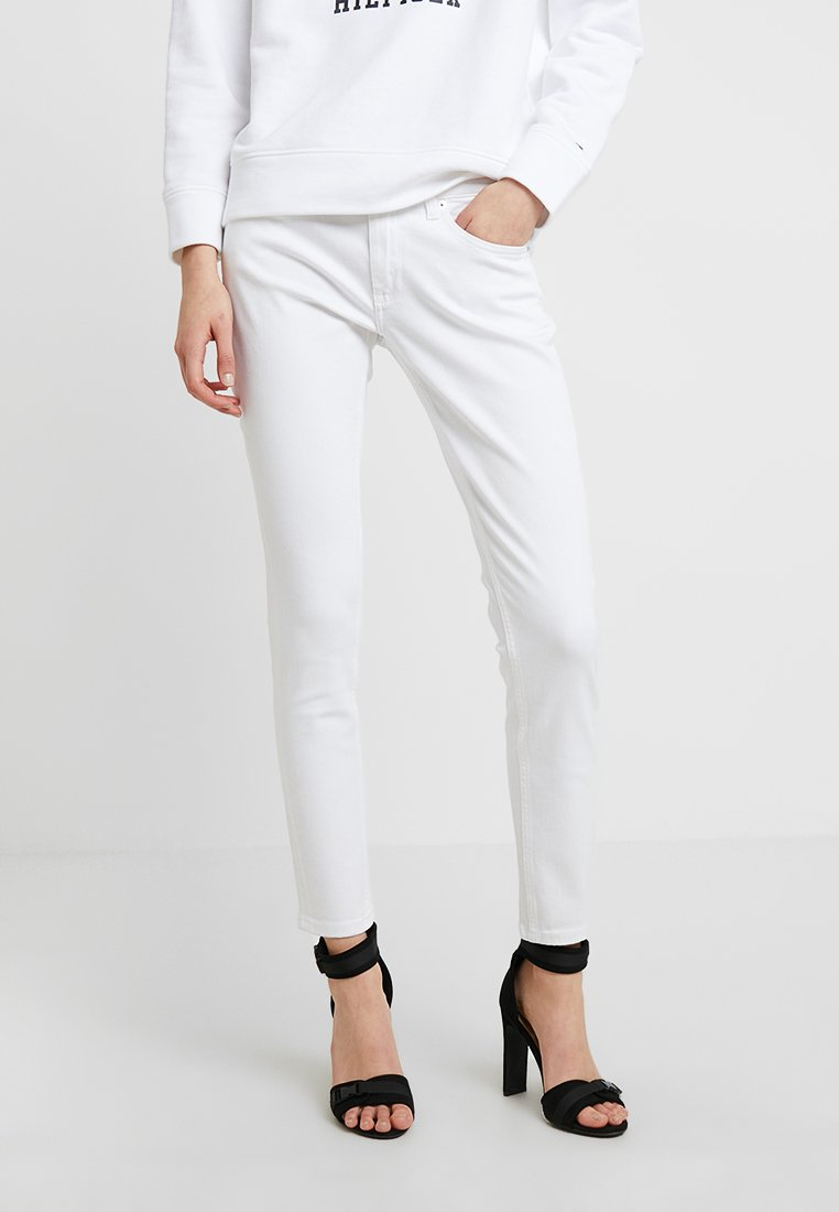 Tommy Jeans - LOW RISE SKINNY SOPHIE 7/8 - Jeans Skinny Fit - snow white stretch