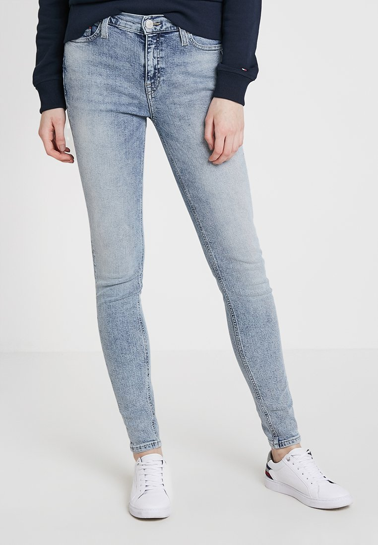 Tommy Jeans - MID RISE NORA  - Jeans Skinny Fit - baltic light