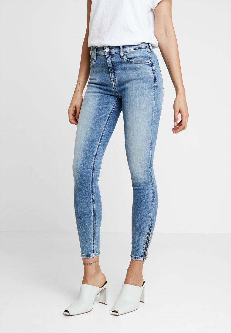 Tommy Jeans - MID RISE NORA 7/8 ZIP - Jeans Skinny Fit - oregon light blue
