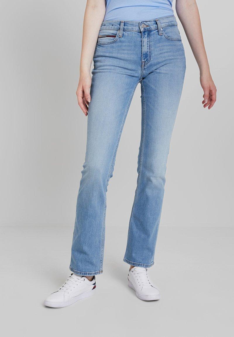 Tommy Jeans - MID RISE 1979 - Bootcut jeans - utah lt bl com