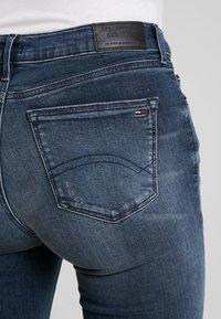 Tommy Jeans - LOW RISE SOPHIE 7/8 - Jeans Skinny Fit - dark blue denim - 3