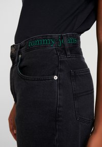 Tommy Jeans - HIGH RISE TAPERED  - Jeans baggy - blue-black denim - 4