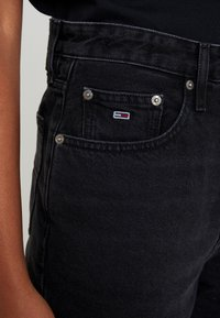 Tommy Jeans - HIGH RISE TAPERED  - Jeans baggy - blue-black denim - 6