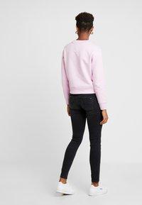 Tommy Jeans - SCARLETT - Jeans Skinny Fit - west black - 2