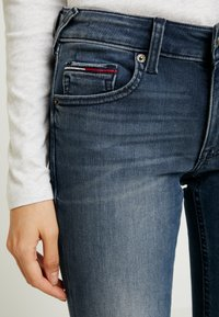 Tommy Jeans - LOW RISE SOPHIE - Jeans Skinny Fit - blue denim - 4