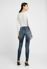 Tommy Jeans - LOW RISE SOPHIE - Jeans Skinny Fit - blue denim - 2