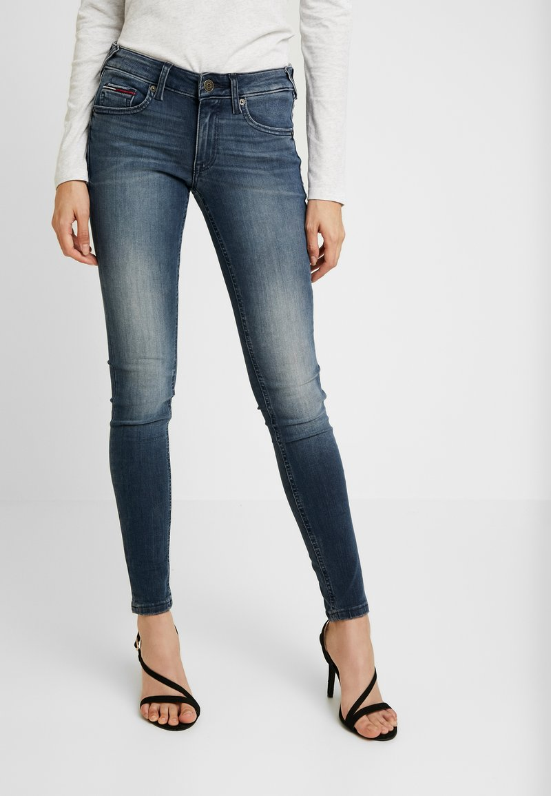 Tommy Jeans - LOW RISE SOPHIE - Jeans Skinny Fit - blue denim