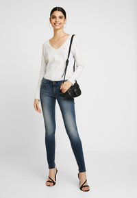 Tommy Jeans - LOW RISE SOPHIE - Jeans Skinny Fit - blue denim - 1