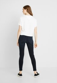 Tommy Jeans - MID RISE SKINNY NORA ZIP - Jeans Skinny - capitol - 2