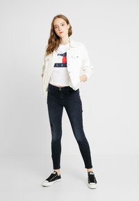 Tommy Jeans - MID RISE SKINNY NORA ZIP - Jeans Skinny - capitol - 1