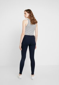 Tommy Jeans - HIGH RISE - Skinny džíny - avenue dark blue - 2