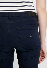 Tommy Jeans - HIGH RISE - Skinny džíny - avenue dark blue - 5