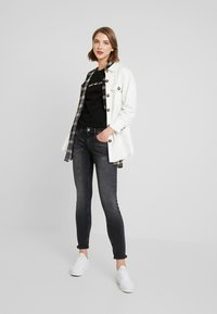 Tommy Jeans - SOPHIE LOW RISE - Jeans Skinny - jarvis - 1