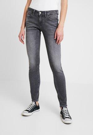SOPHIE LOW RISE - Jeans Skinny - merrick grey