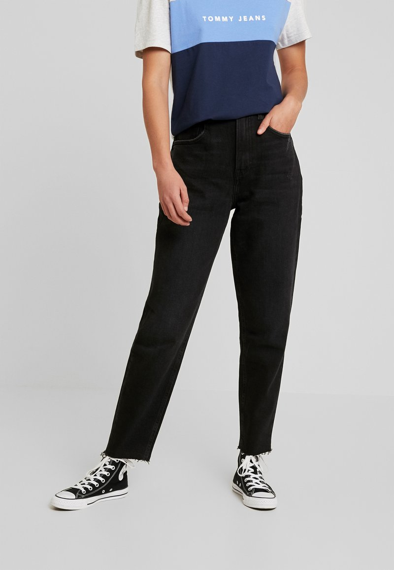Tommy Jeans - MOM JEAN HIGH RISE TAPERED CKBK - Relaxed fit jeans - cake bk com