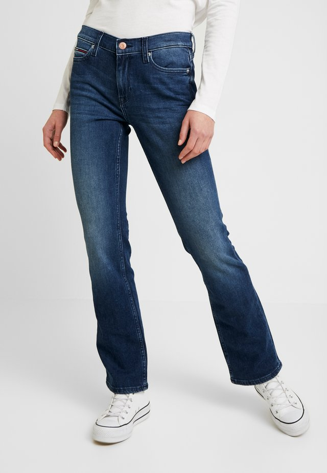 MID RISE - Jeans bootcut - daisy mid bl com