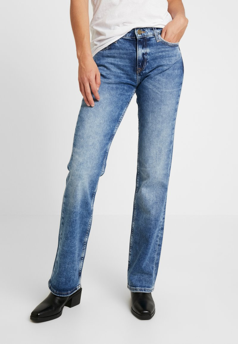 Tommy Jeans - MID RISE BOOTCUT - Bootcut jeans - light blue denim