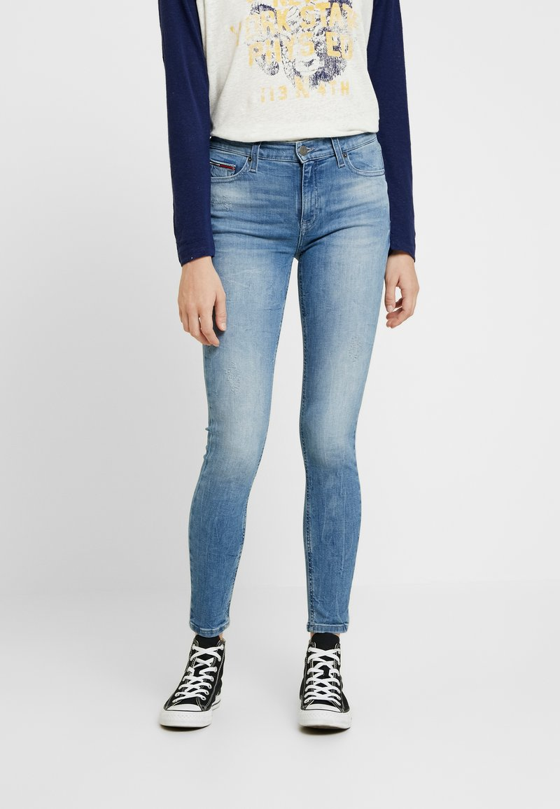 Tommy Jeans - MID RISE NORA - Jeans Skinny Fit - blue denim