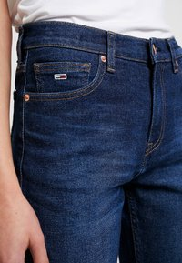 Tommy Jeans - HIGH RISE SLIM IZZY CROP ACDK - Slim fit jeans - ace dk bl com - 3