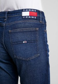 Tommy Jeans - HIGH RISE SLIM IZZY CROP ACDK - Slim fit jeans - ace dk bl com - 5