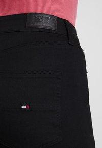 Tommy Jeans - HIGH RISE - Jeans Skinny Fit - black denim - 5