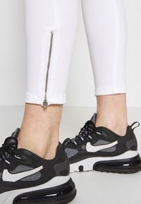 Tommy Jeans - NORA ANKLE ZIP - Jeans Skinny - candle white - 5