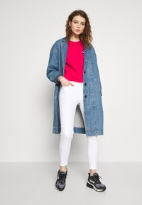 Tommy Jeans - NORA ANKLE ZIP - Jeans Skinny - candle white - 1