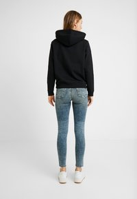 Tommy Jeans - MID RISE NORA EMRY - Jeans Skinny Fit - bates mid - 2