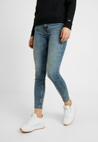 Tommy Jeans - MID RISE NORA EMRY - Jeans Skinny Fit - bates mid - 0