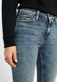Tommy Jeans - MID RISE NORA EMRY - Skinny džíny - bates mid - 3