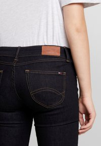 Tommy Jeans - LOW RISE SOPHIE - Jeans Skinny Fit - niceville dark - 3