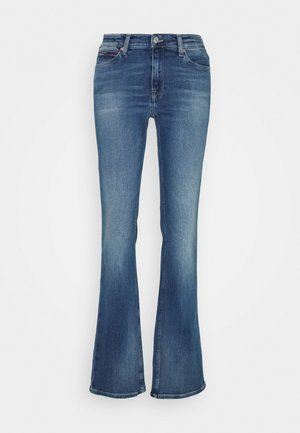 MADDIE BOOTCUT - Jeansy Bootcut - evelin mid blue comfort