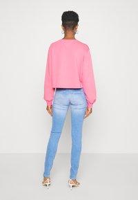 Tommy Jeans - SCARLET - Jeansy Skinny Fit - maldive light blue - 2
