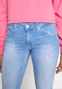 Tommy Jeans - SCARLET - Jeansy Skinny Fit - maldive light blue - 3