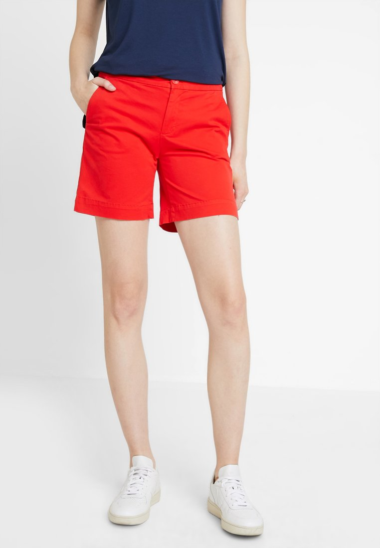 Tommy Jeans - ESSENTIAL - Shorts - flame scarlet