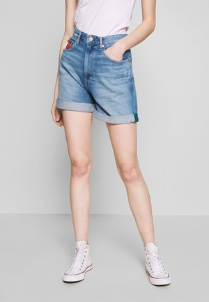 HIGH RISE MOM - Denim shorts - light blue denim