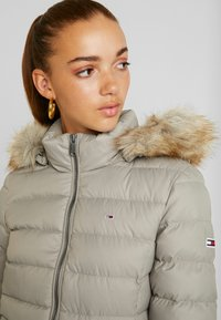 Tommy Jeans - ESSENTIAL HOODED JACKET - Down jacket - mourning dove - 5